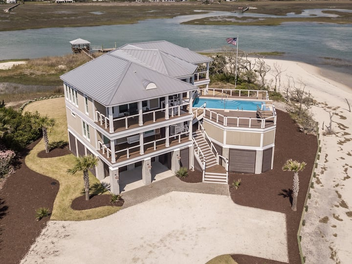 Decked Out, 6BR/4.5BA Oceanfront Beach House