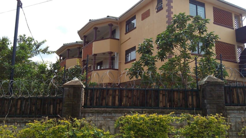 Spacious, lake view, serviced - Entebbe - Apartament