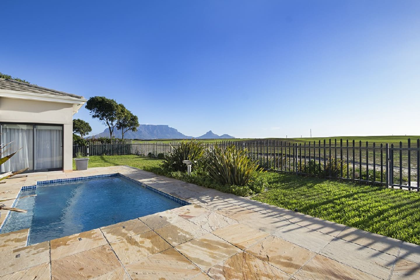 Swimming Pool; Golf Course/Ocean/Table Mountain View