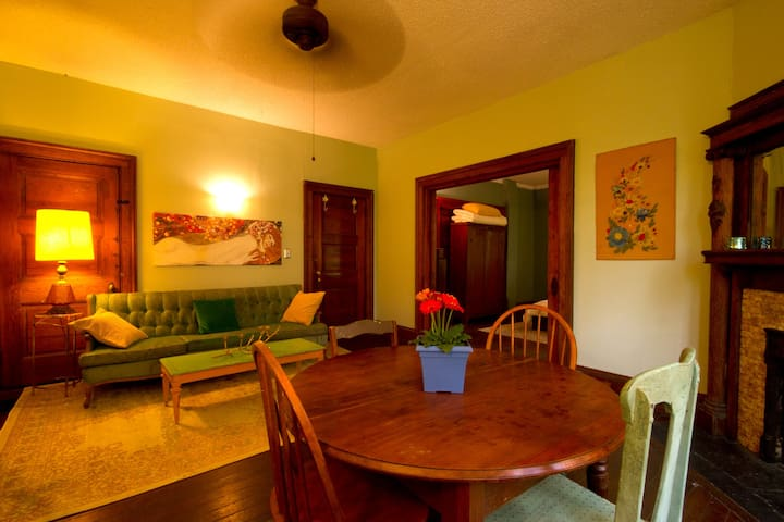 Montford Eclectic & Inviting with Dreamy Location! - Asheville - Departamento