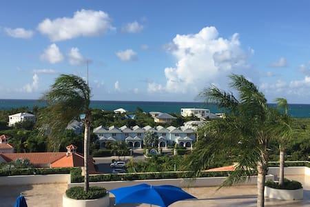 Modern Luxury Ocean View Studio Suite