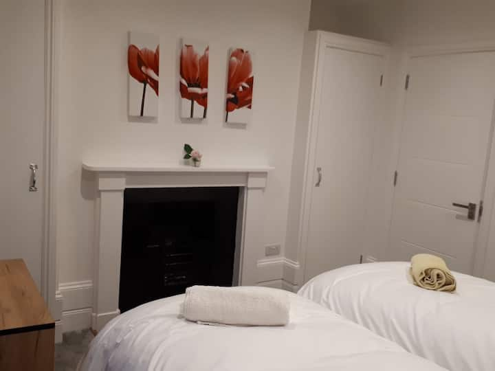 Serviced Accommodation-1bedApt(36 Queens Rd)Apt4