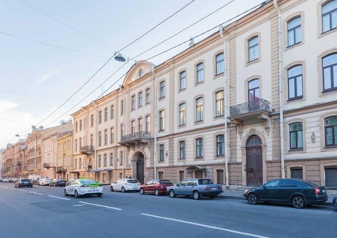 Вид улицы | Street view