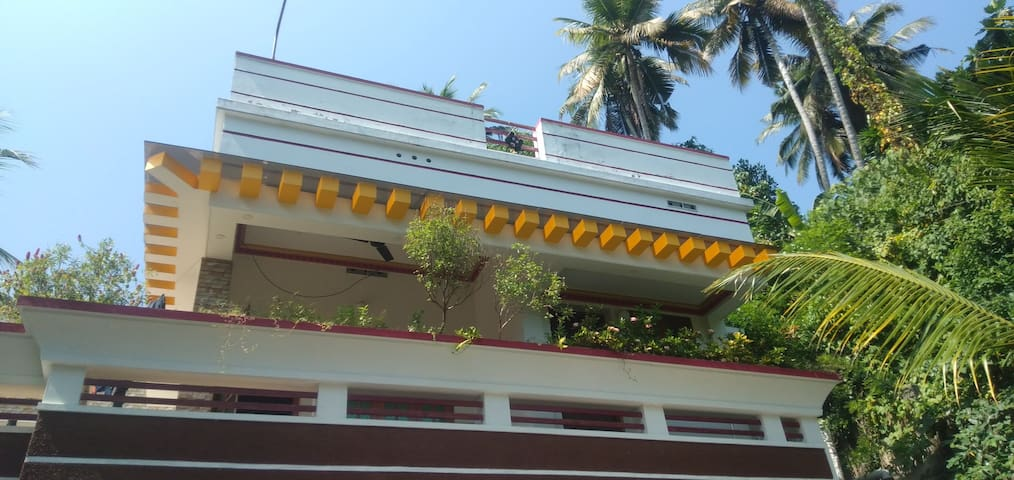 Kovalam Abode(600 metres from the beautiful beach)