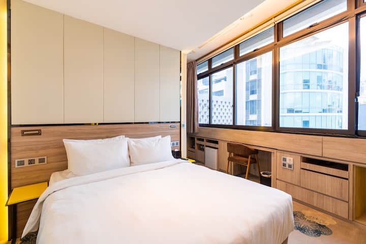 Deluxe Double Room in City Center