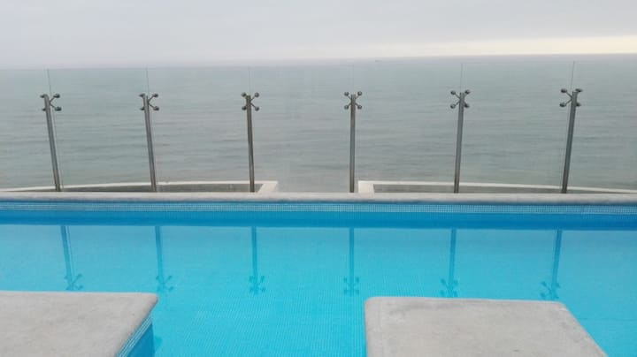 Panoramic apartment with sea view