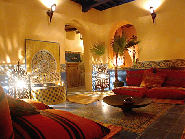 Riad Al Anbar in the medina - Essaouira - Casa