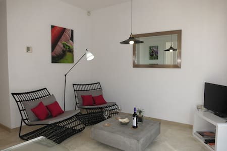 Best Loc : Top Wi-Fi +AC + TV +Garage - Estepona