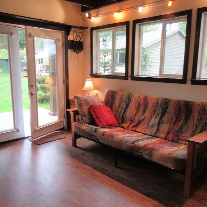 Cottage with Futon Sofa Bed