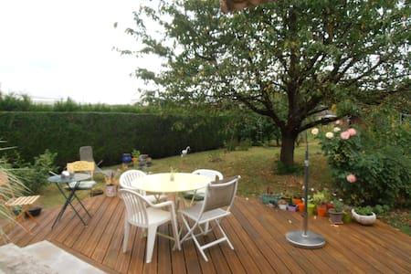 chambre, dans une maison individuelle, plain pieds - Charleville-Mézières