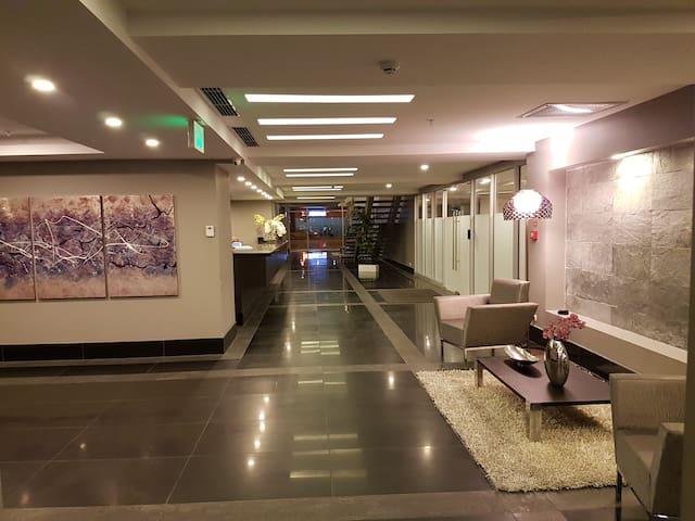 Apartamento 2 dormitorios. Diagonal Mall del Sol - Guayaquil - Pis