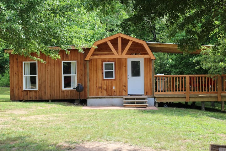 Kates Creek Meadow - Rustic Cabin on Paved Road