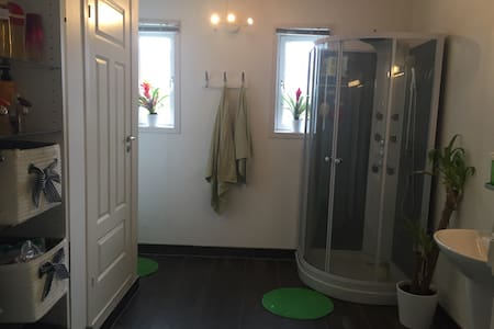 Cosy Appartment Close To City Center - Large Room - Stavanger - Pis