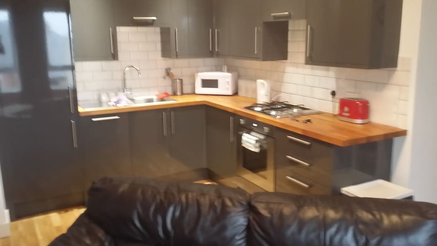 New 2 Bed  Bright Apartment close to town centre - Northampton - Apartament