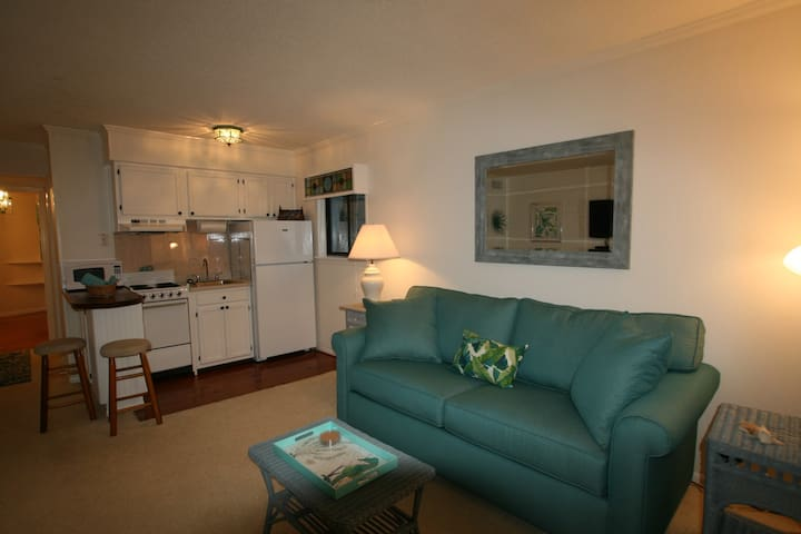 Sea~Esta, Tybee's perfect couples condo!