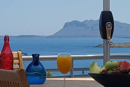 Seaview Villa Patroklos, pool-1 min walk to beach!