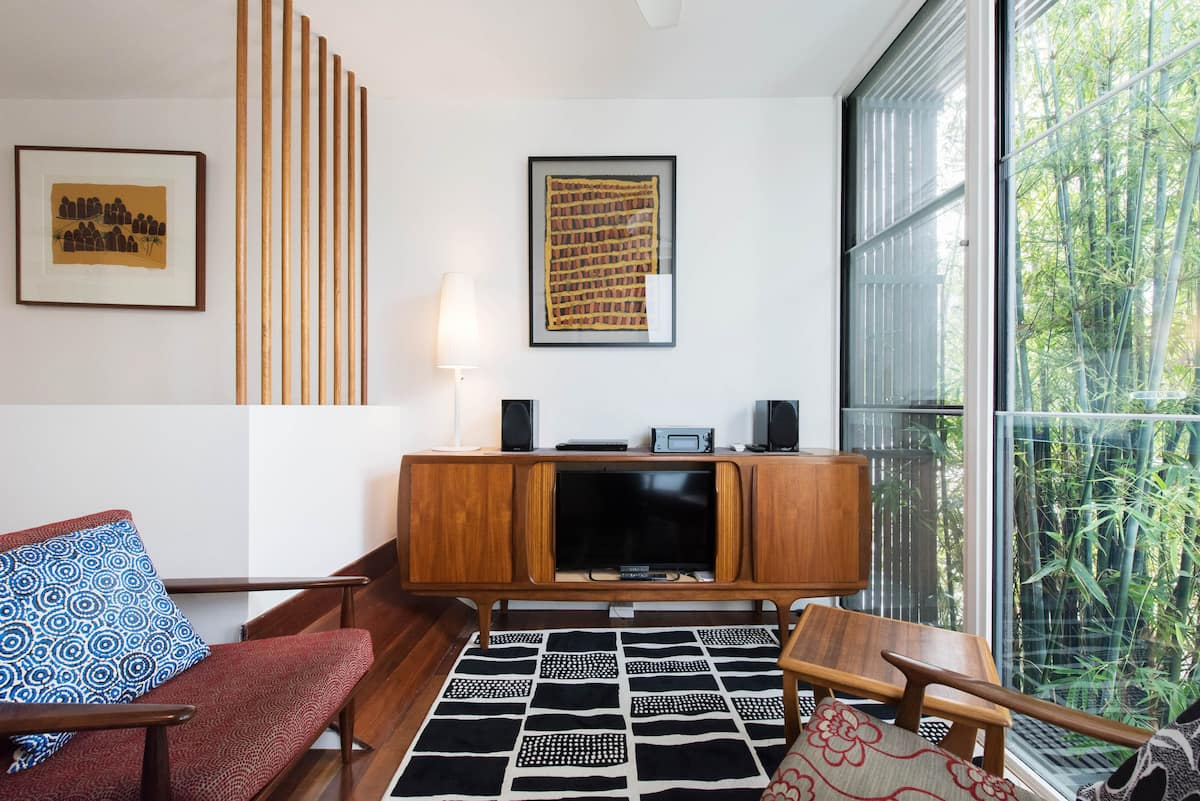 Private Apartment Oasis near King Street and Sydney Park
