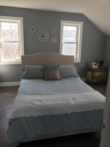 Charming, Cozy, newly renovated House