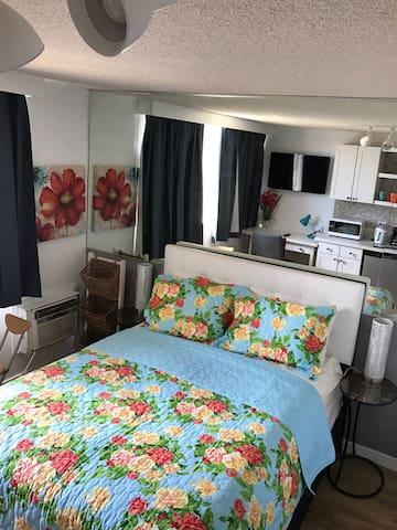 Waikiki Hotel Studio on14 FLR(HOTEL & RESORT ZONE)