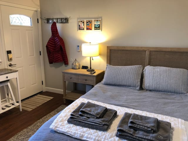 Renovated Guest Studio in the Heart of East Sac