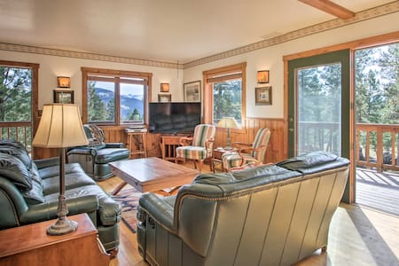 Secluded Mountaintop Home ~11 Miles to Helena