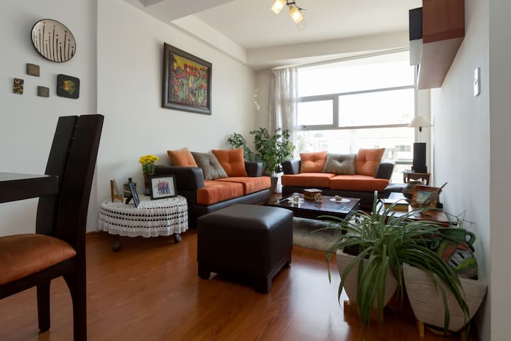 Habitación en lindo departamento - Quito - Lägenhet