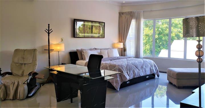 Suite Hamadryas