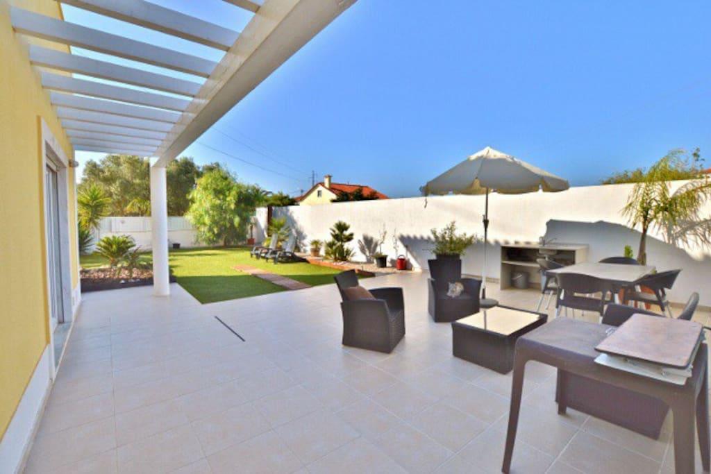 villa sintra h user zur miete in sintra lisboa portugal. Black Bedroom Furniture Sets. Home Design Ideas