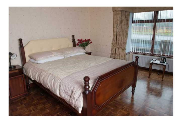 Creeve House Country Guest Inn Bedroom 1