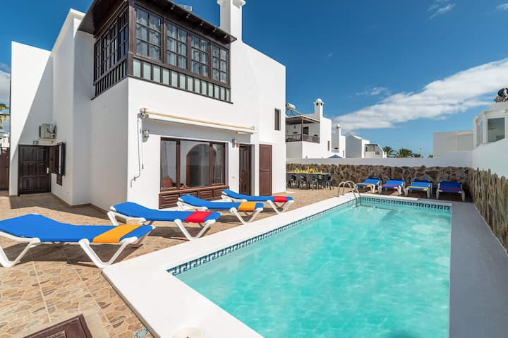 Villa Margarita, with 4 bedrooms and heated pool