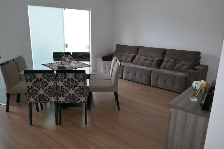 Casa-sobrado no Anita Garibaldi - Joinville