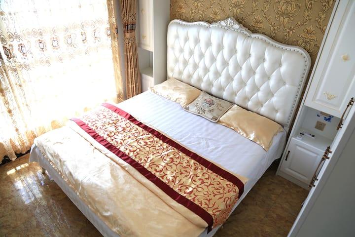 《渤海印象》~豪华欧式四室两卫180度海景公寓