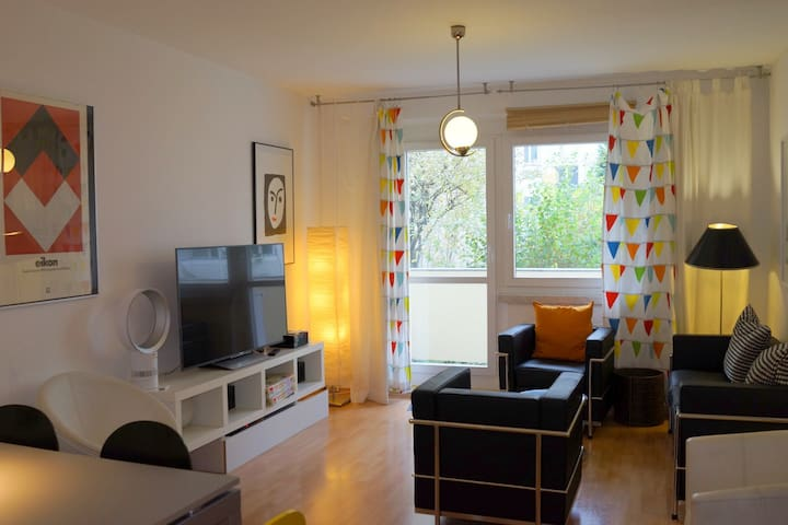 In the middle of Berlin-Mitte up to 6 guests