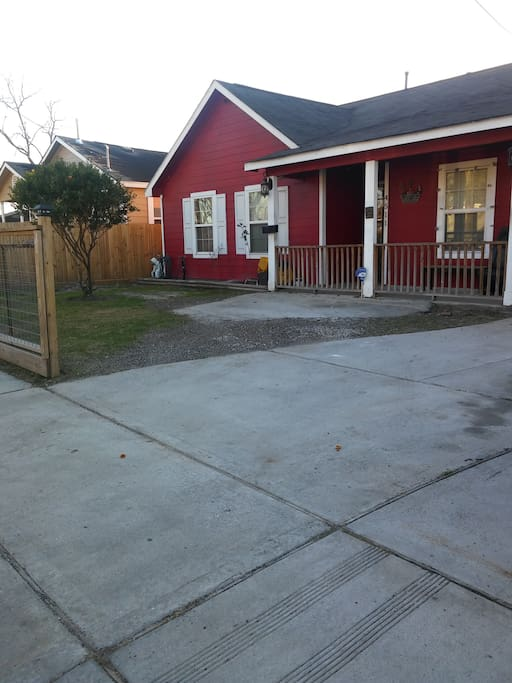 another view of front yard