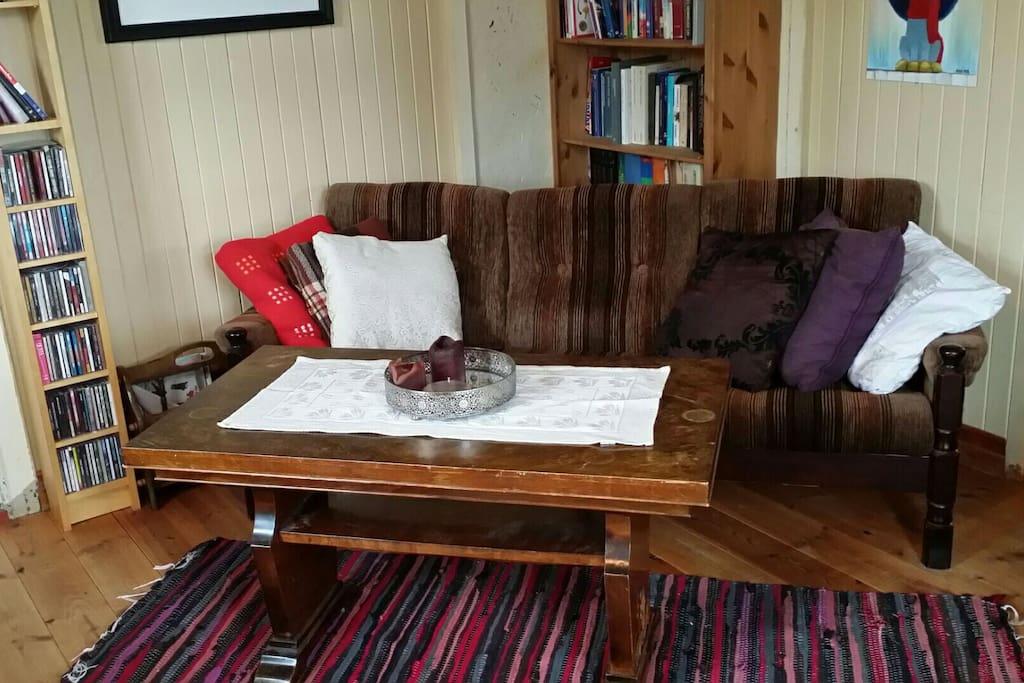 Liten privat stue. Small private lounge.