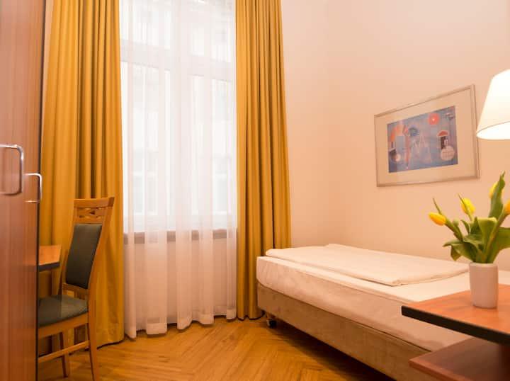 Rewari Hotel Berlin - Einzelzimmer Standard
