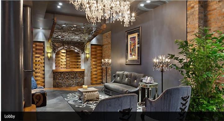 Chic French Quarter Resort (1 Bedroom + Sofa Bed)
