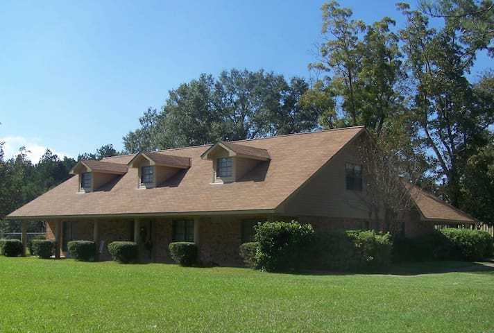 Peaceful country upstairs Apartment - Deville - Byt