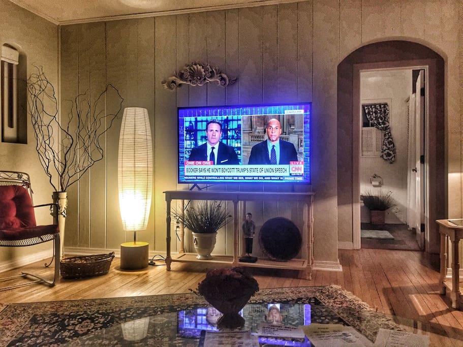 "55"" 4K Ultra High Def HDTV Roku with free: Netflix, Hulu, Amazon, DirecTV Now (live TV)"