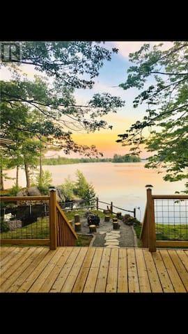 buckhorn lake front cottage