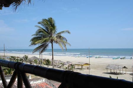 Hostal La Vista Beach Front - Rm2 - Szoba reggelivel