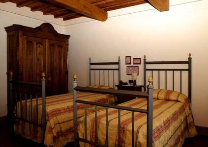 LOCANDA TINTI B&B Twin Room 1 - Diacceto - Bed & Breakfast