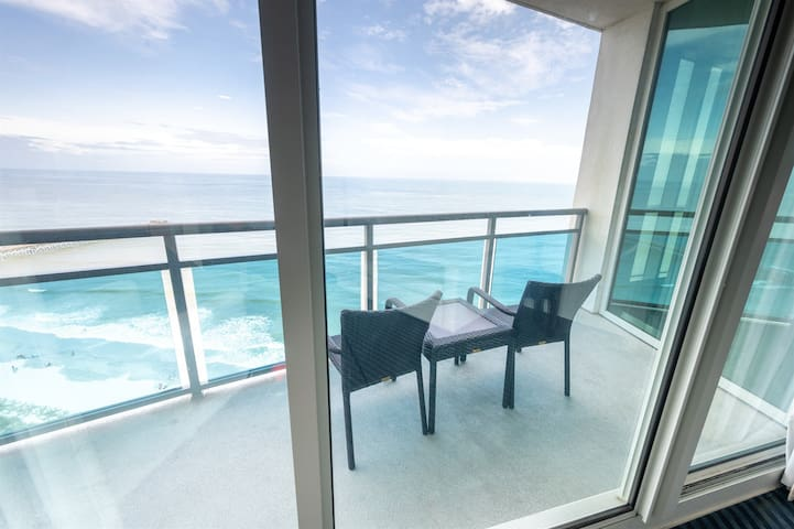 ⭐TOP FLOOR Penthouse! Amazing One of the Best Views in Myrtle Beach! Just Added!