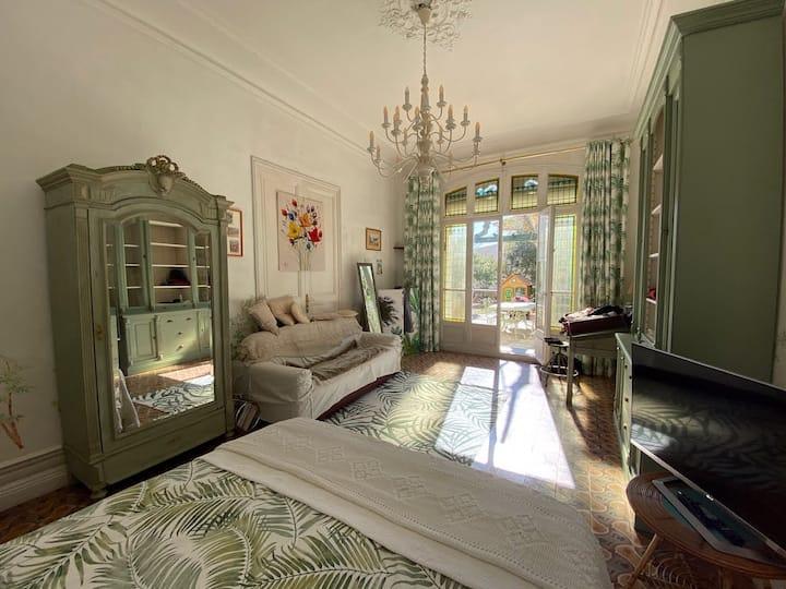 Chambre privée dans maison de maître provençale