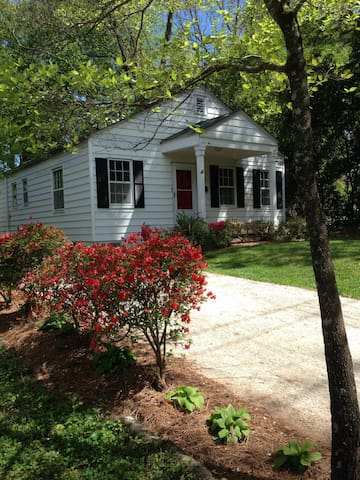 Avail April 1  Metro ATL FURNISHED, CLEAN House - Avondale Estates - Hus