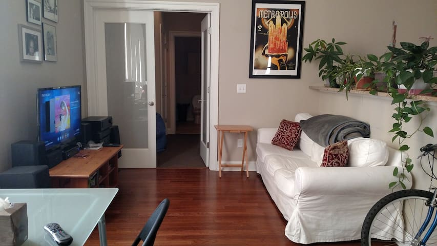 Sunny Downtown Hartford 1-Bedroom - Хартфорд - Квартира