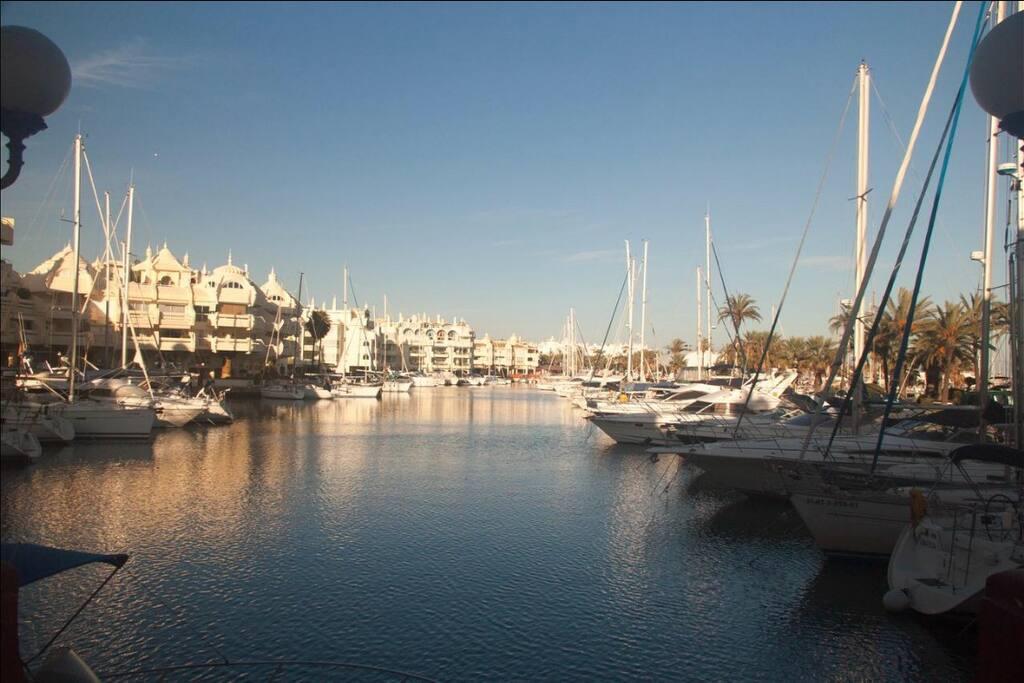 puerto deportivo marina