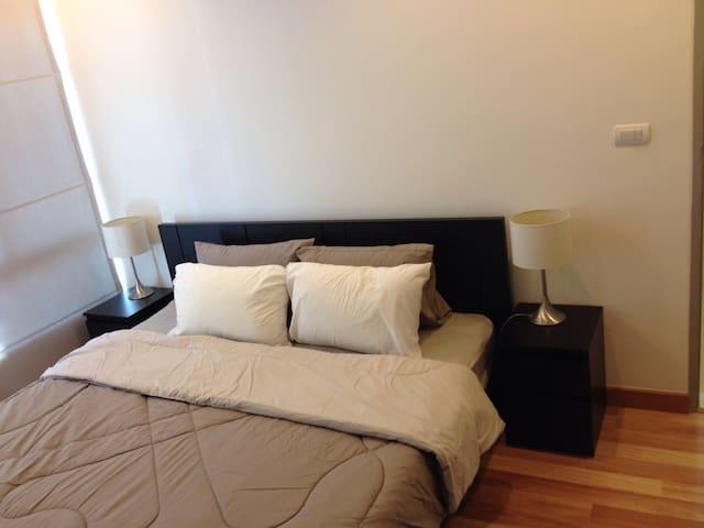2BED/WiFi/COZY/Floor18th/Gyms/Pool - กรุงเทพมหานคร - Apartment