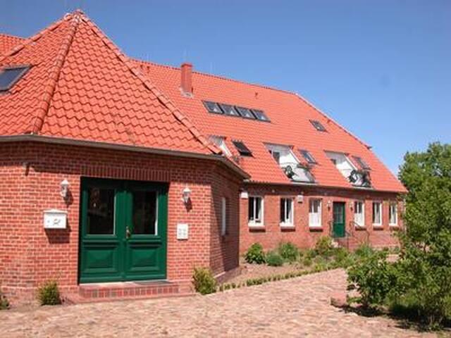 Landhaus Elbwiesen, Göpelhaus Erdgeschoss