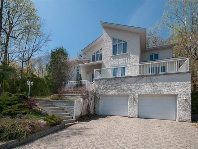 Stunning home in suburb Montreal - Saint-Bruno-de-Montarville - House